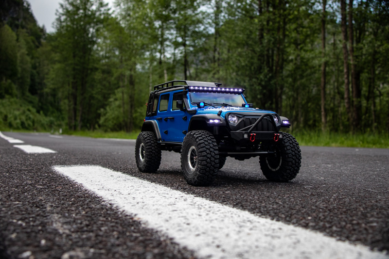 "1:10 EP Crawler CR3.4 ""SHERPA"" BLUE RTR - Image 9"